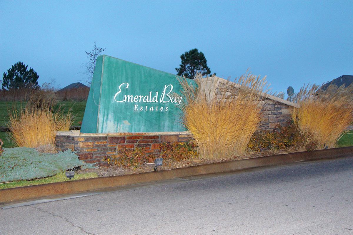 Emerald Bay Estates Community Entry