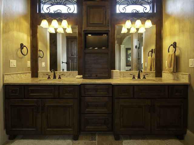 Hathaway Custom New Construction Bathroom in Wichita
