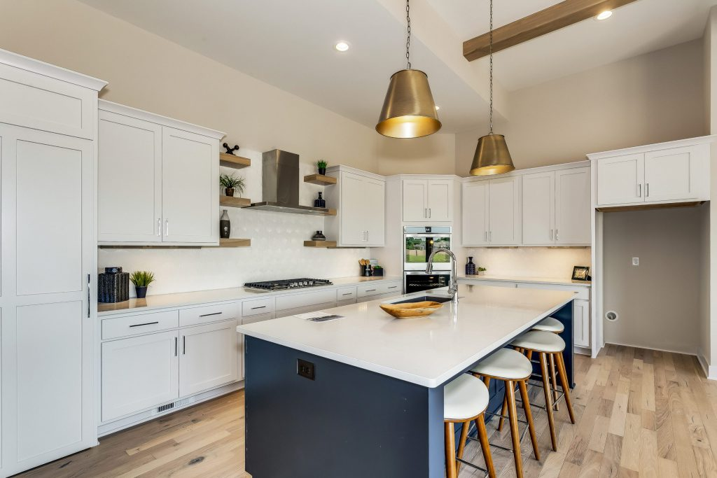 Summerset Terrace Farmhouse Full Kitchen