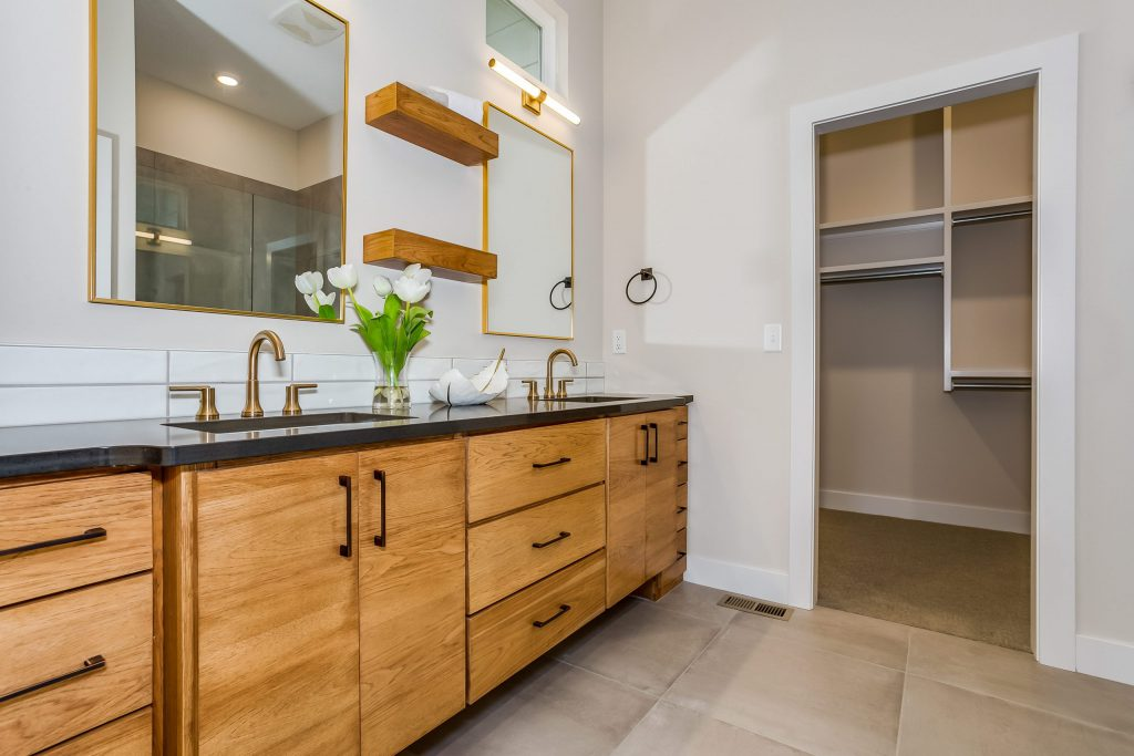 Mandalay Prairie Style Master Bathroom