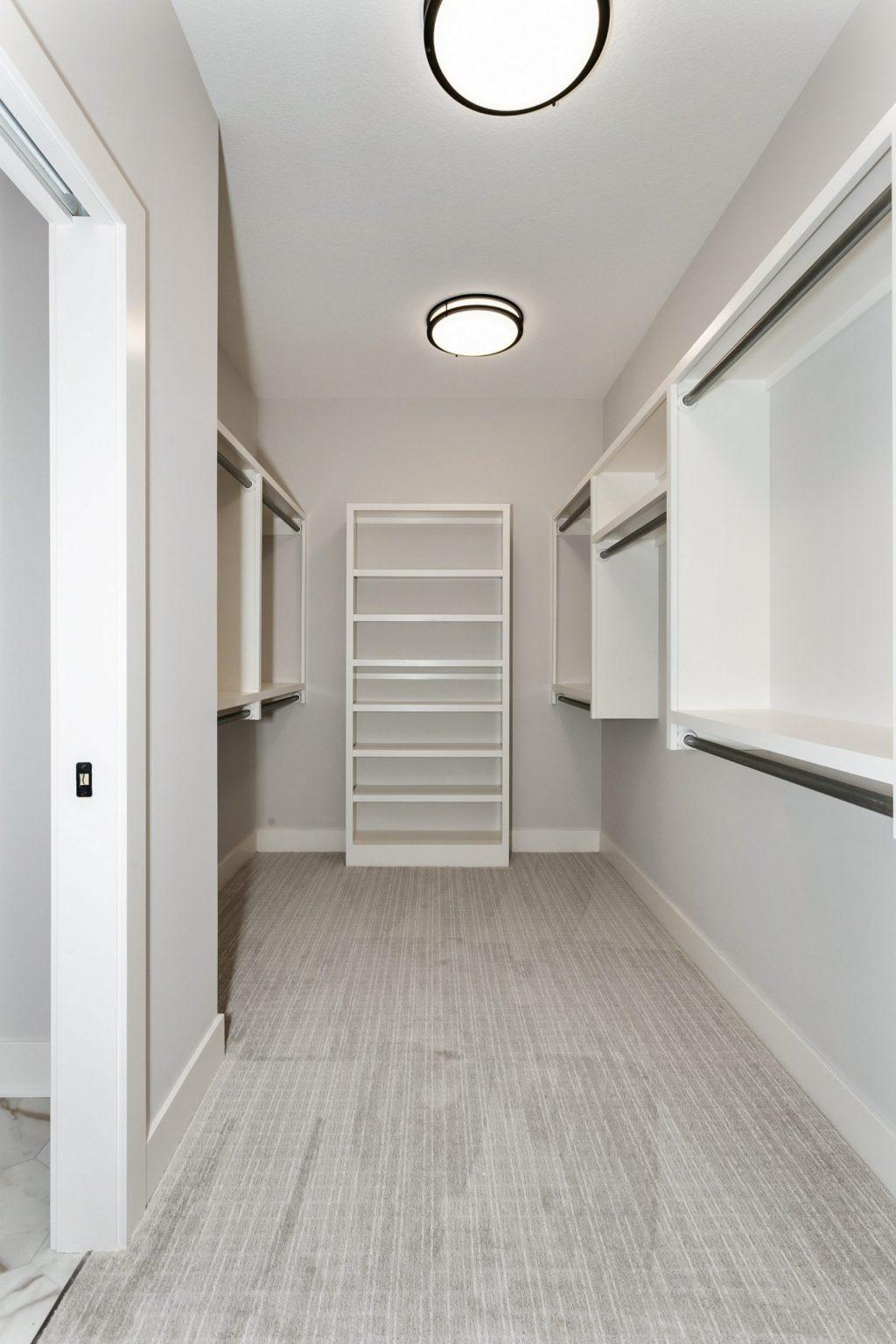 Summerset Terrace Prairie Master Closet