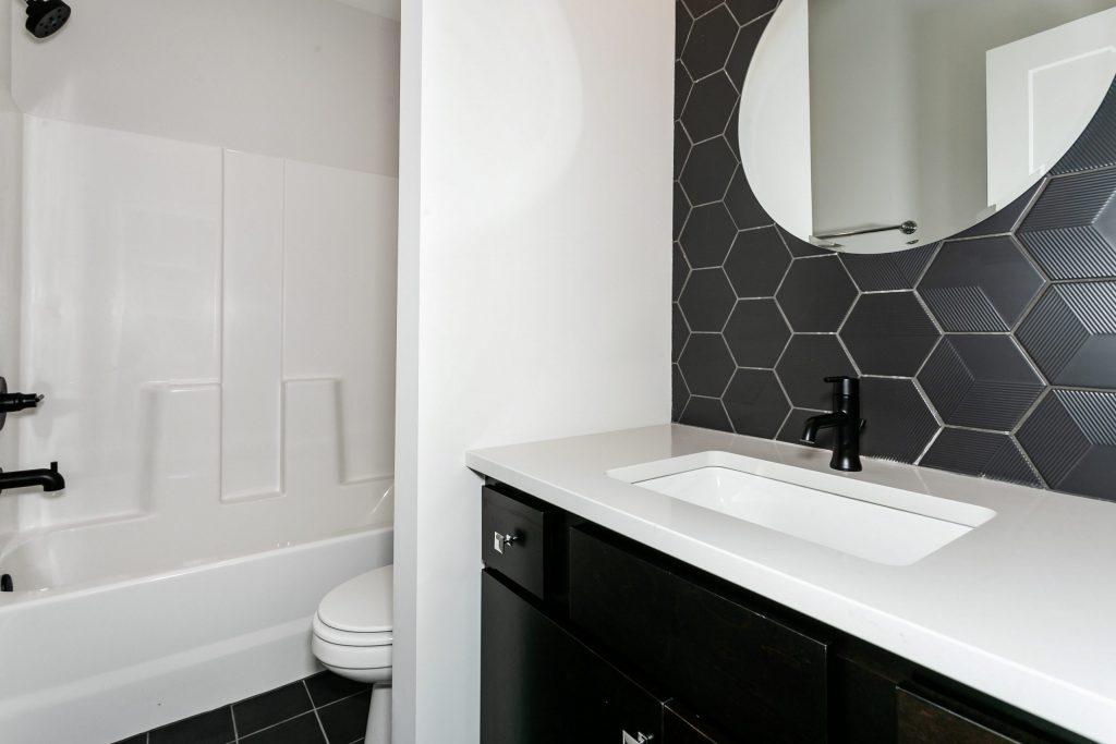 Summerset Terrace Prairie Bathroom
