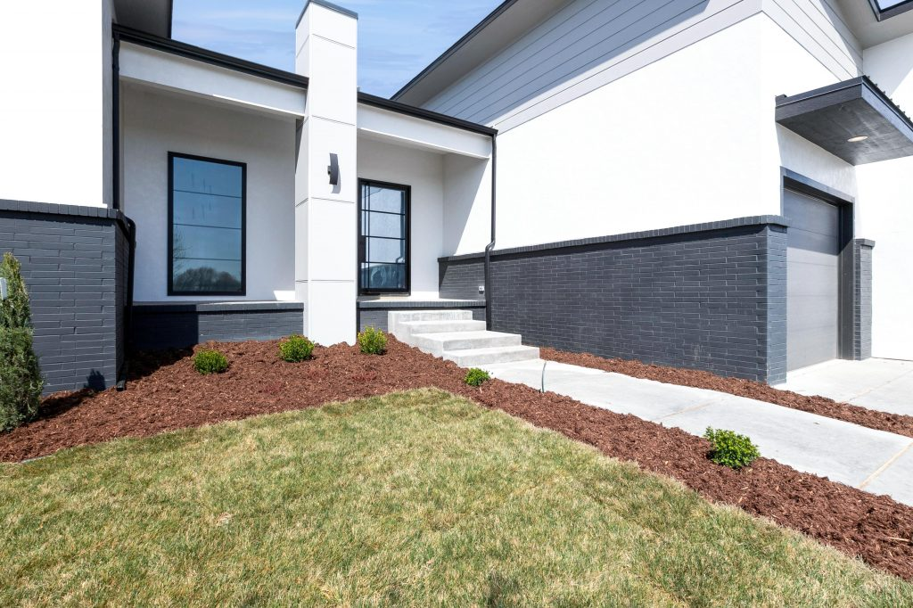 Gunnison Floor Plan Exterior Front Angle