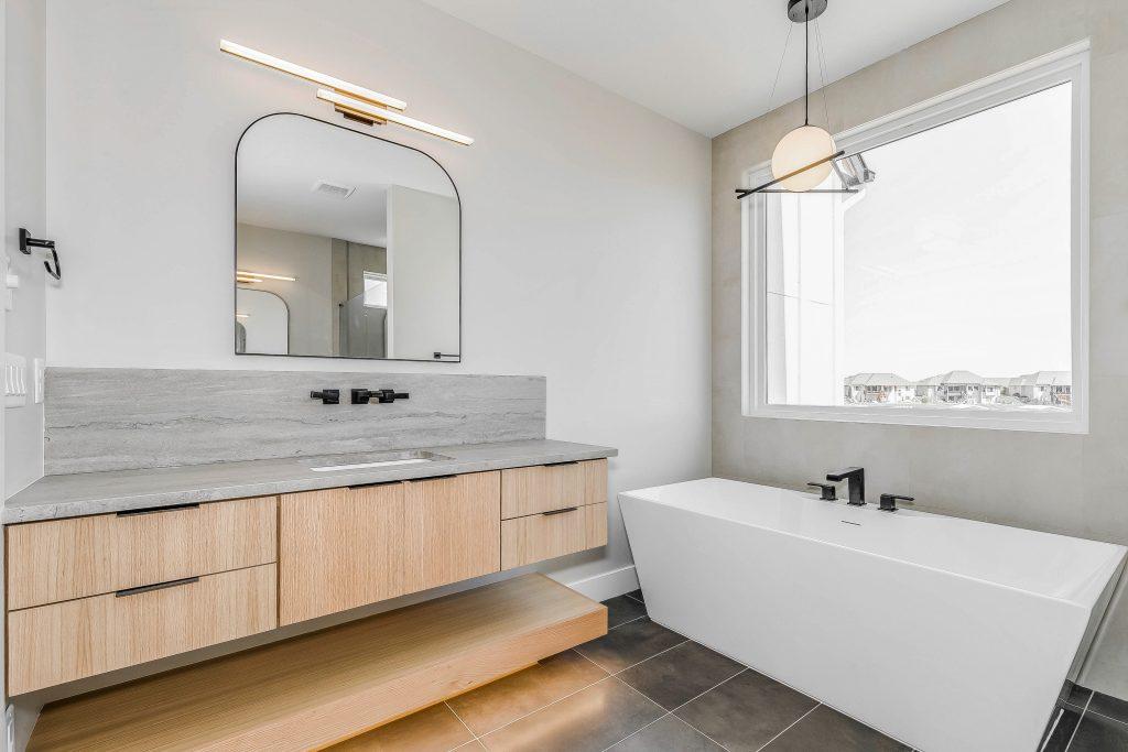 Mandalay Bonus (Large) Floor Plan Master Bathroom