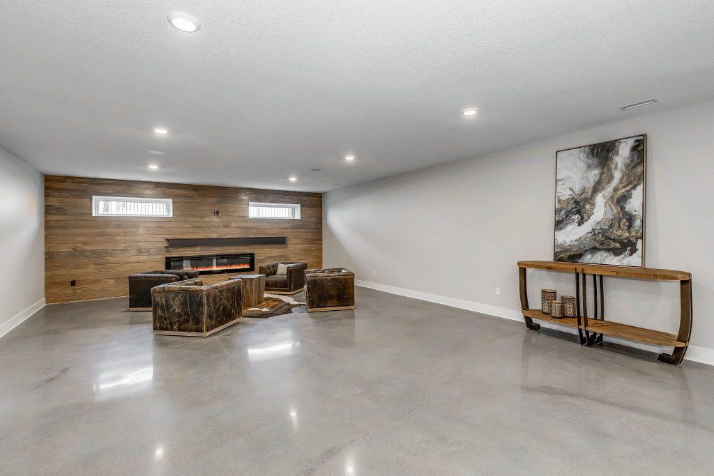 Mandalay Bonus (Large) Floor Plan Family Room Fireplace