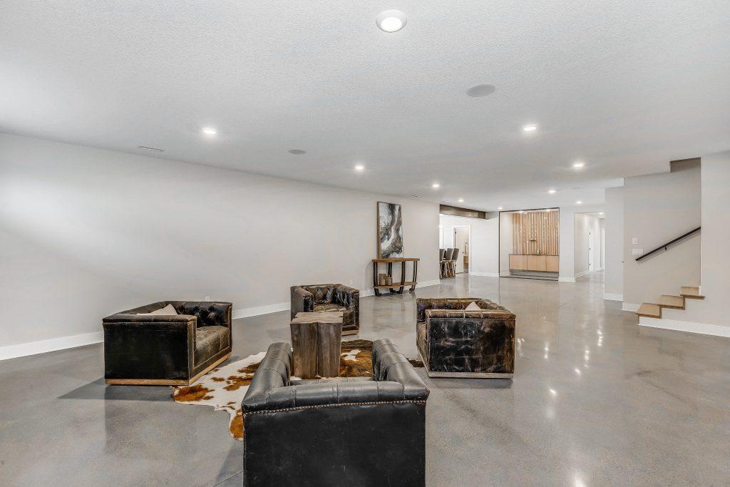 Mandalay Bonus (Large) Floor Plan Family Room and Bar