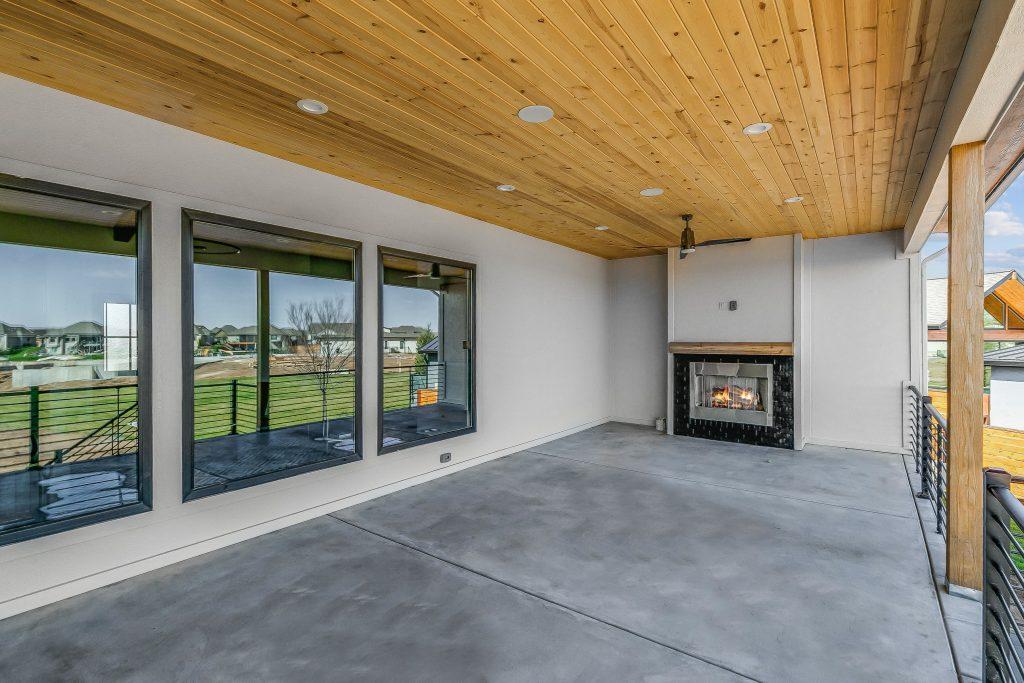 Mandalay Bonus (Large) Floor Plan Lanai Fireplace